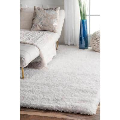 Gynel Solid Shag Snow White 3 ft. x 5 ft. Area Rug