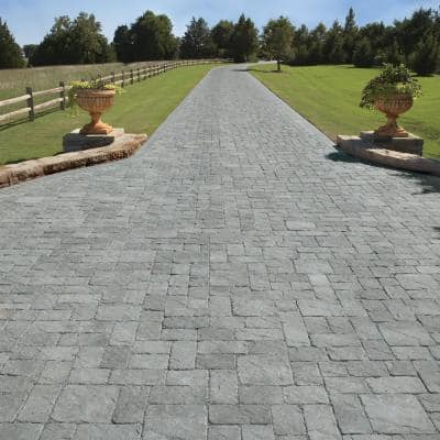 Venetian Tumbled 11.81 in. L. x 5.91 in. W x 2.36 in. H Chicago Blend Concrete Paver (Pieces/ sq. ft./ Pallet)