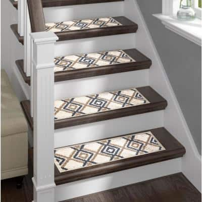 White 9 in. x 28 in. Stair Treads Polypropylene, Carpet Stair Tread Cover (Set of 13) Non-Slip Stair Treads