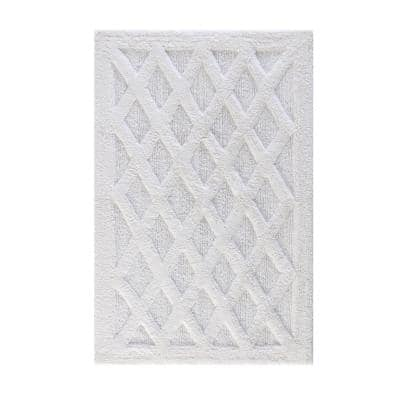 Alderbury White 30 in. x 50 in. Geometric Cotton Bath Mat