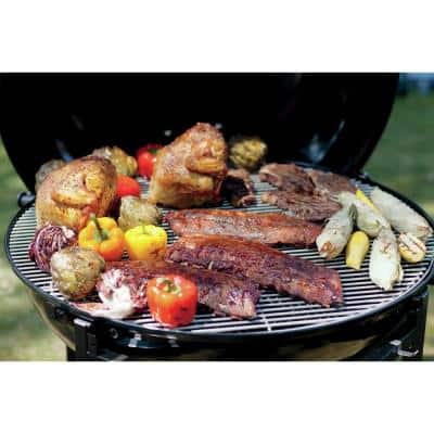 Ranch Kettle Charcoal Grill in Black