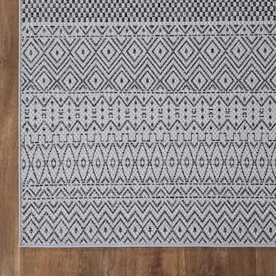 Rhapsody Gray 8 ft. x 10 ft. Indoor/Outdoor Area Rug