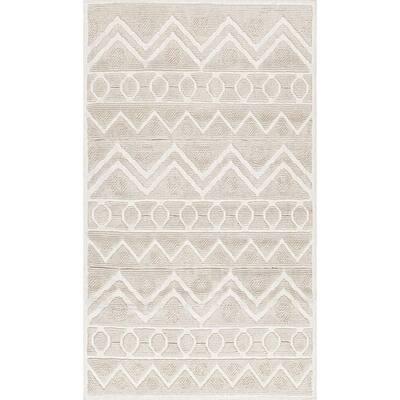 Easton Textured Tribal Ivory 1 ft. 9 in. x 2 ft. 10 in. Indoor Bath Mat