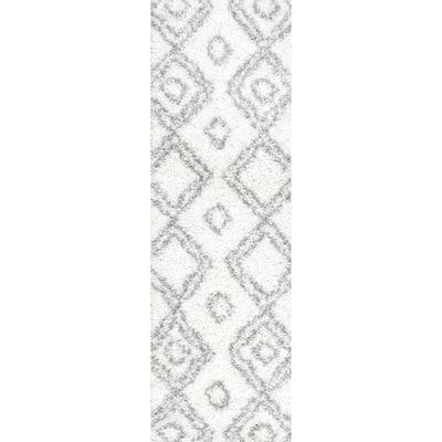 Iola Easy Shag White 2 ft. 6 in. x 10 ft. Runner Rug