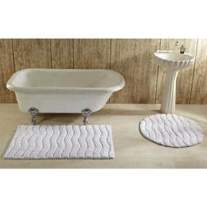 Indulgence White 30 in. Round Bath Rug