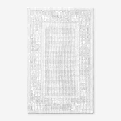Legends Luxury Sterling White 24 in. x 17 in. Cotton Bath Mat