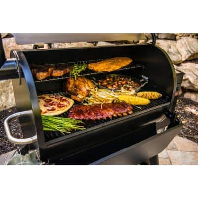 Pro 780 Wifi Pellet Grill and Smoker in Bronze