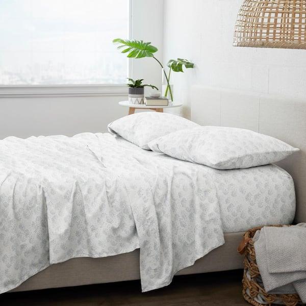 Becky Cameron Premium 4 Piece Light Blue Flower Bunch Flannel California King Sheet Set Ieh 4pc Ffb Calking Lblue The Home Depot