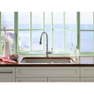Artifacts Single-Handle Touchless Pull-Down Sprayer Kitchen Faucet in Vibrant Stainless