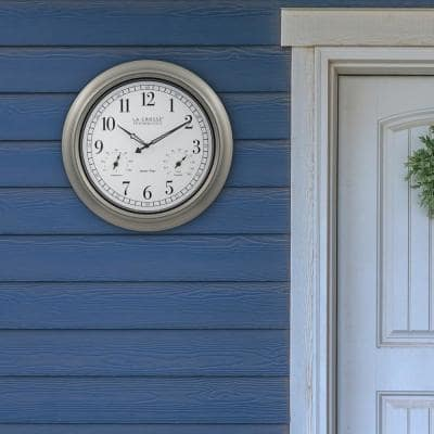 18-Inch Indoor/Outdoor Classic Plastic Pewter Atomic Analog Clock with Thermometer & Hygrometer