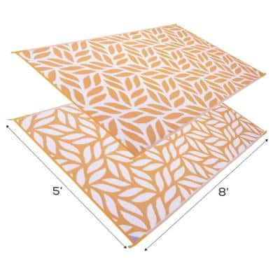 Abstract Leaf Reversible Mat Mango/White 5' x 8' Virgin Polypropylene Mat with UV Protection