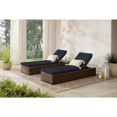 Fernlake Taupe Wicker Outdoor Patio Chaise Lounge with CushionGuard Midnight Navy Blue Cushions