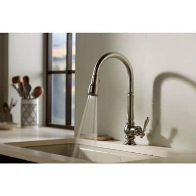 Artifacts Single-Handle Pull-Down Sprayer Kitchen Faucet in Polished Chrome