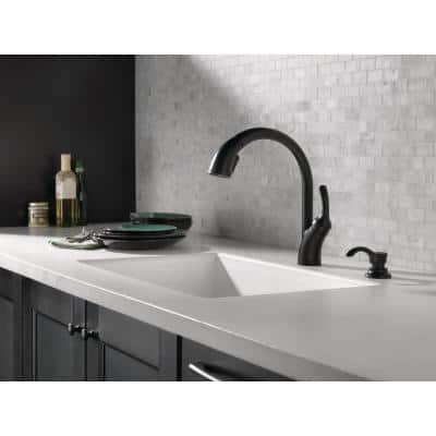 Shiloh Single-Handle Pull-Out Sprayer Kitchen Faucet with ShieldSpray in Matte Black