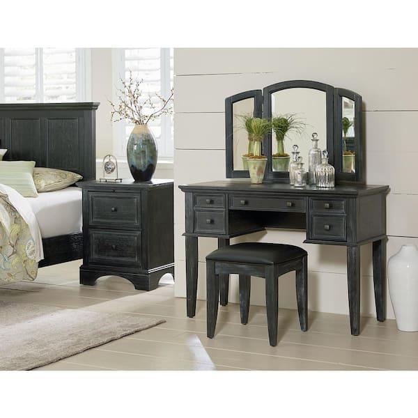 OSP Home Furnishings Farmhouse Basics Rustic Black Queen Bedroom