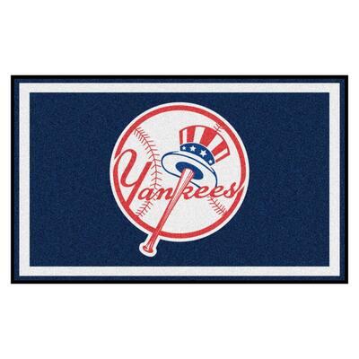 MLB - New York Yankees 4 ft. x 6 ft. Ultra Plush Area Rug