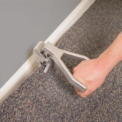 Carpet Puller with Serrated Clamps for Maximum Pulling Power