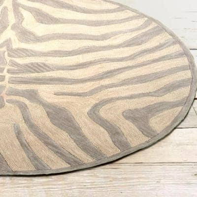 Fashion Taupe/Silver Zebra 8 ft. x 8 ft. Plush Round Indoor Area Rug