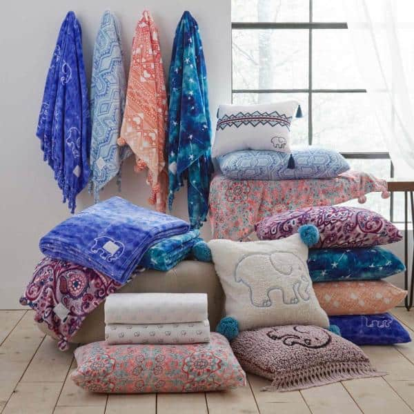 Ivory Ella Gia 50 In X 60 In 1 Piece Blue Medium Ultra Soft Plush Fringe Throw Ushshf1111424 The Home Depot