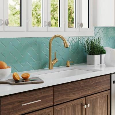 Setra Single-Handle Pull-Down Sprayer Kitchen Faucet in Vibrant Brushed Moderne Brass