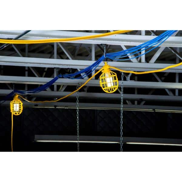 Bergen Industries 100 Ft 12 3 Sjtw 10 Light Plastic Cage Temporary Light Stringer Yellow Gl100123mpc The Home Depot