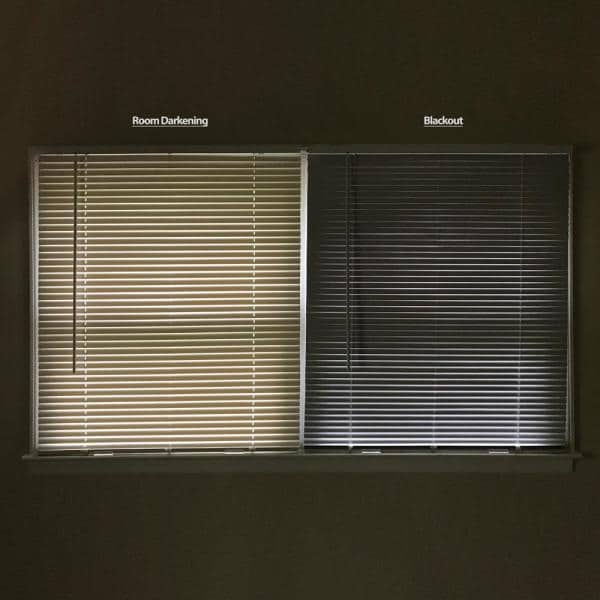 Hampton Bay White Cordless Room Darkening 1 In Vinyl Mini Blind For Window Or Door 29 In W X 48 In L 10793478184248 The Home Depot