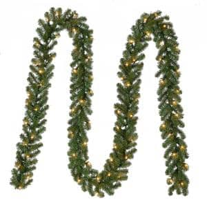 18 ft Kingston Pre-Lit Artificial Christmas Garland with 280 tips and 70 White Lights