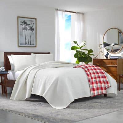 Bluff Plaid Ultra Soft Plush Blanket