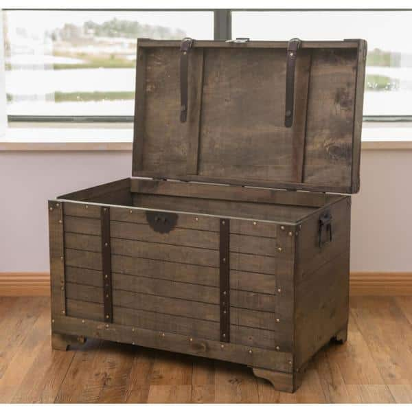 Vintiquewise Old Fashioned Large, Storage Trunk Table