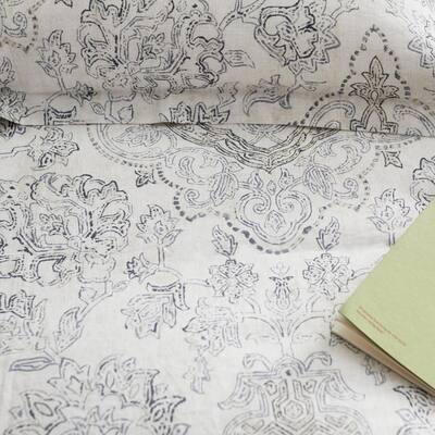 Legends Hotel™ Reza Medallion Gray Floral Relaxed Linen Flat Sheet