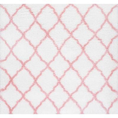 Nelda Trellis Shag Baby Pink 5' Square Rug