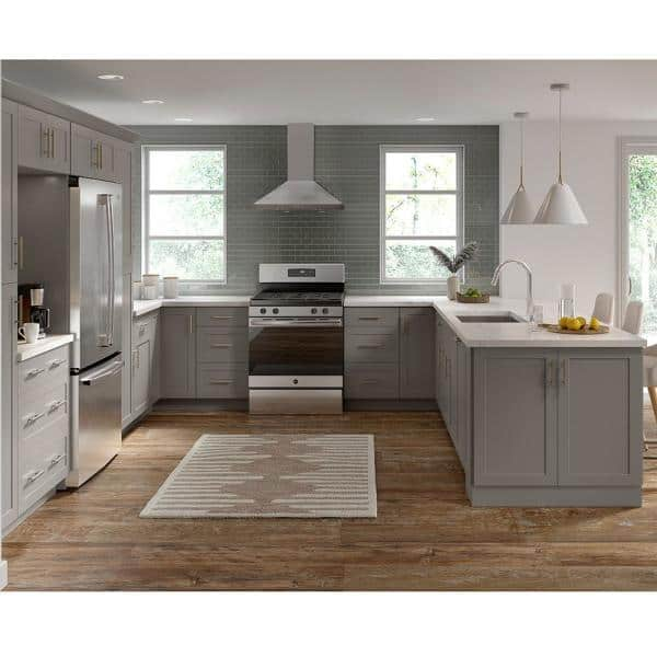 Hampton Bay Cambridge Shaker Assembled 24 In X 35 In X 25 In Base Cabinet With 3 Soft Close Drawers In Gray Ca2435d Kg The Home Depot