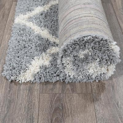 Cozy Shag Collection Gray and Cream Moroccan Trellis Design 5 ft. x 7 ft. Indoor Area Rug