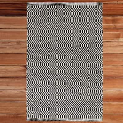Handwoven Black and White 2 ft. x 3 ft. Geometric Wool Flatweave Kilim Area Rug