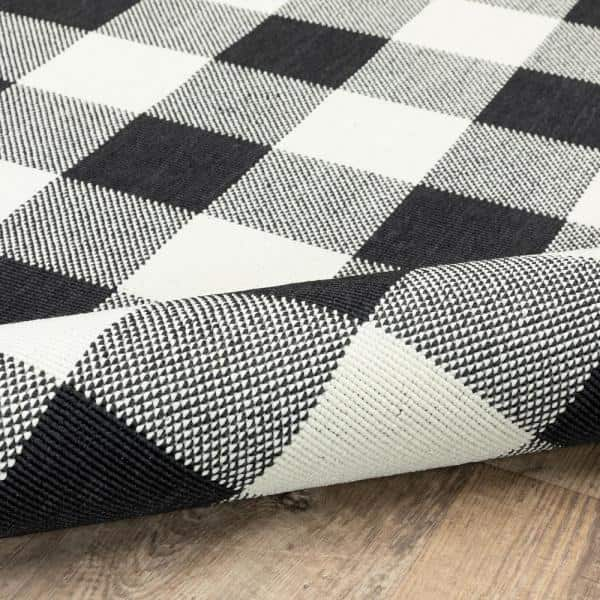 Averley Home Sienna Buffalo Check Black Ivory 5 Ft 3 In X 7 Ft 6 In Indoor Outdoor Area Rug 821223 The Home Depot