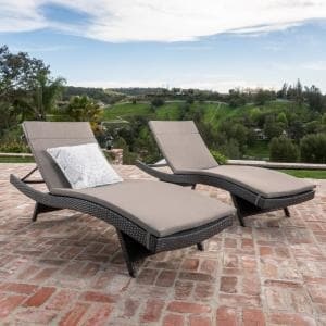 Salem Grey 4-Piece Wicker Outdoor Chaise Lounge with Charcoal Cushions