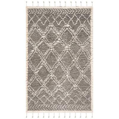 Casablanca Gray/Ivory 5 ft. x 8 ft. Geometric Area Rug