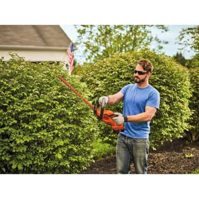 40-Volt Lithium-Ion Cordless 22 in. Hedge Trimmer with 1.5 Ah Battery and Charger