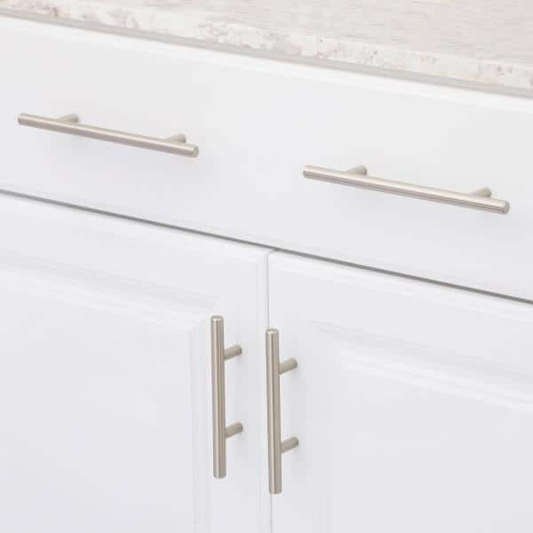 Richelieu Hardware 5 1 16 In 128 Mm Center To Center Brushed Nickel Steel Contemporary Drawer Pull Bp305128195 The Home Depot