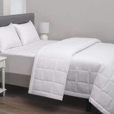 220 Thread Count Microfiber White Queen Hotel Blanket