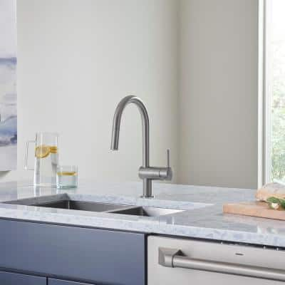 Minta Single-Handle Dual Spray Pull-Out Sprayer Kitchen Faucet 1.75 GPM in SuperSteel InfinityFinish