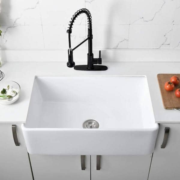 White Fireclay Farmhouse 33 In Single Bowl Kitchen Sink With Bottom Grid And Basket Strainer Pr 3320 The Home Depot