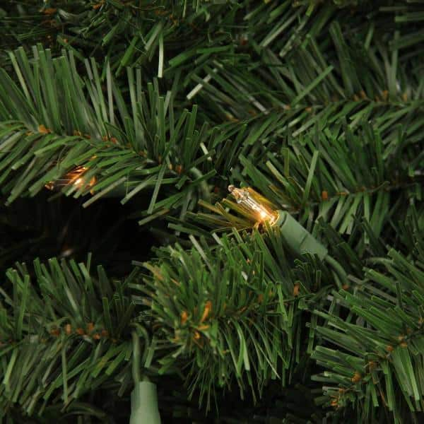 96 In Pre Lit Deluxe Windsor Pine Commercial Size Artificial Christmas Wreath 31579870 The Home Depot
