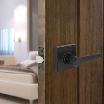 Highland Matte Black Hall and Closet Door Lever with Square Rose