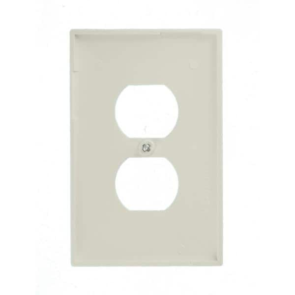 Leviton 1 Gang Midway Duplex Outlet Nylon Wall Plate White R62 00pj8 00w The Home Depot