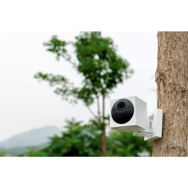 Wyze Wireless Outdoor Surveillance Camera Plus MicroSD Card Includes Base  Station-WVOD1B1MSD32 - The Home Depot