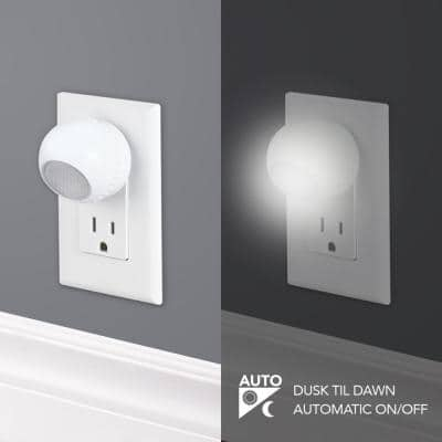 Directional Automatic LED Night Light (2-Pack)