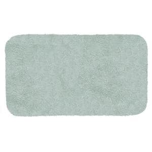 New Regency Sea Mist 24 in. x 40 in. Nylon Machine Washable Bath Mat