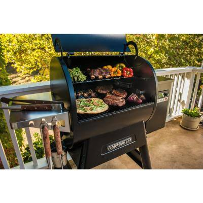 Ironwood 650 Wifi Pellet Grill and Smoker in Black