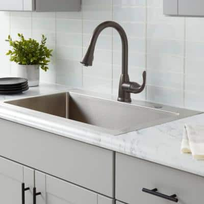 Market Single-Handle Pull-Down Kitchen Faucet with TurboSpray and FastMount in Bronze